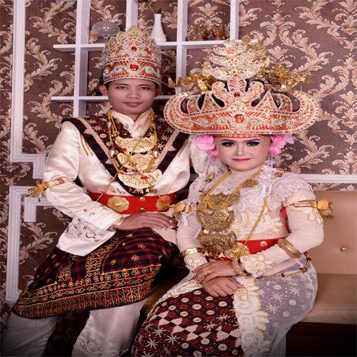 Pakaian Adat Lampung Pepadun