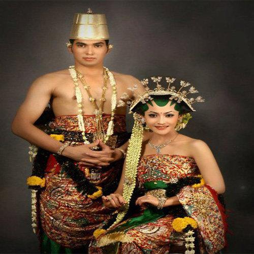 Yuk Simak! Pakaian Adat Jawa Barat, Tengah dan Timur ...
