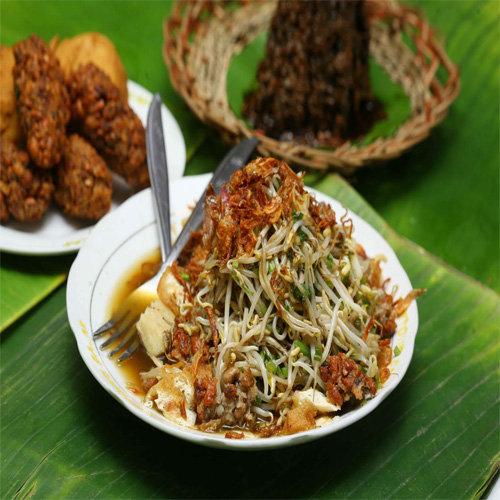 Makanan Khas Suku Jawa Lontong Balap