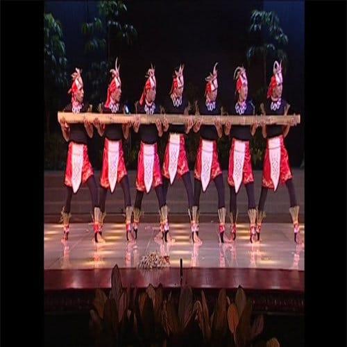 Tarian adat Maluku Tari Bambu Gila